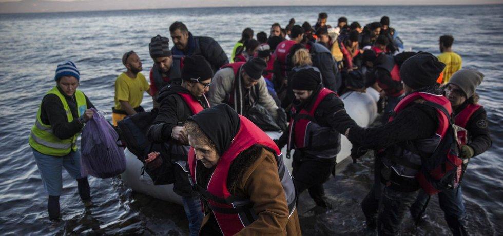 Uprchlíci, kteří do Evropy dopluli přes Středozemní moře (Zdroj: ČTK)