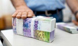 Studie: Bankovky s vysokou hodnotou postrádají smysl, měly by se zrušit