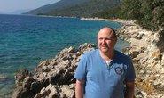 Pavel Karný, spolumajitel cestovní kanceláře Nykar, která vozí české turisty na ostrov Cres. Tam Pavel Kárný provozuje restauraci a vlastní ubytovávací kapacity.