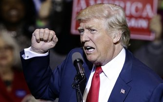 Vítěz amerických prezidentských voleb realitní magnát Donald Trump je podle časopisu Time osobností letošního roku.