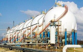 Ropné rezervoáry společnosti Exxon Mobil