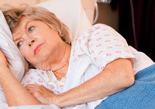 Ilustrační foto; senioři, nemoc, chřipka