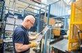 Výroba zámků ve firmě Tokoz (ilustrační foto)