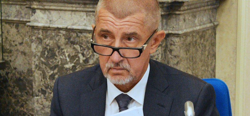 Andrej Babiš na zasedání vlády 24. srpna