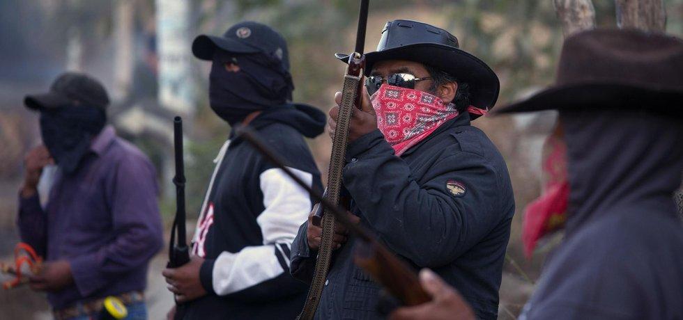 Dvě města na severu Mexika již o všechny policisty přišla. Byli totiž pozatýkáni pro podezření z  napojení na organizovaný zločin.