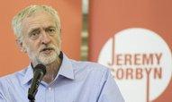 Labouristé v Anglii odvrátili fiasko, Skotsko ovládli nacionalisté