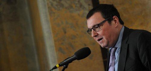 Singer: Nelze očekávat, že přijetí eura přinese české ekonomice nový stimul