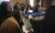 Reformisté v Íránu vyhráli druhé kolo voleb, nezískali ale dost křesel