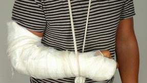 zranění, zlomenina, ruka