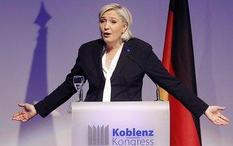 Vůdkyně populistické francouzské Národní Fronty Marine Le Penová