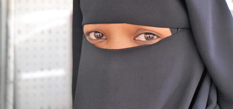 Zahalená muslimská žena (Zdroj Flickr)