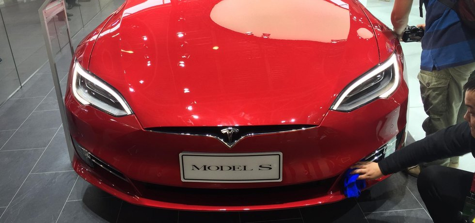 Model S od Tesly (Autor: Michal Půr)