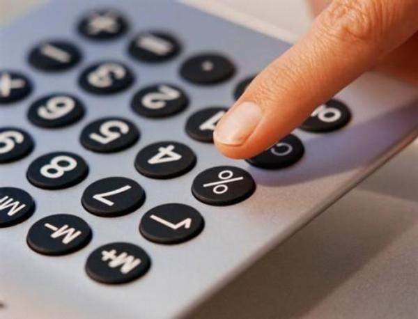 peníze, kalkulačka, daně