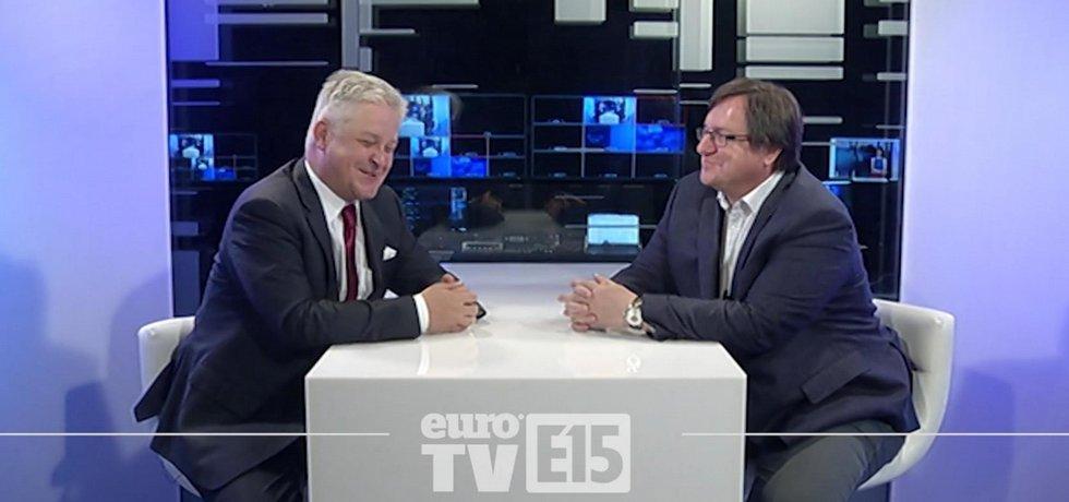 Videodebata analytika týdeníku Euro Miroslava Zámečníka a komentátora Pavla Párala