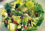 Zeleninový salát s jogurtovou zálivkou