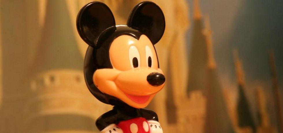 """Fotografie """"Mickey Mouse Toy"""" licencovaná pod CC BY 2.0"""