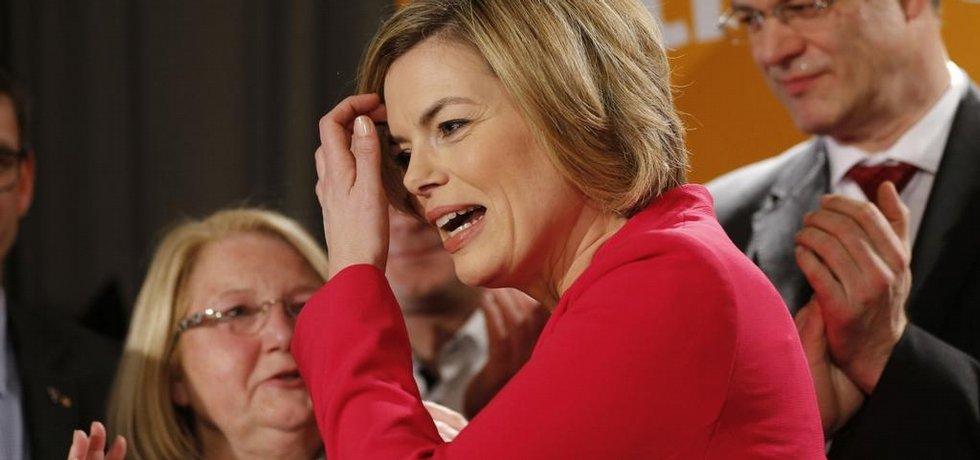 velkou porážku v zemských volbách v Porýní-Falci utrpěla místopředsedkyně CDU Julia Klöcknerová