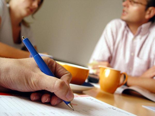 dokumenty, dotazník, jednání
