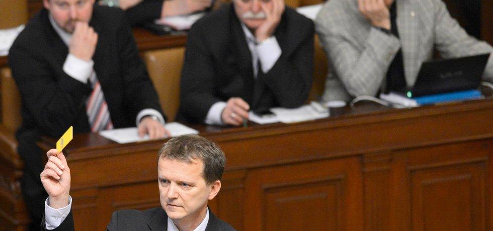 Hádka ministra Babiše s poslancem Ladislavem Šinclem (na snímku) by nám mohla být fuk. Kdyby nešlo o stamiliony.