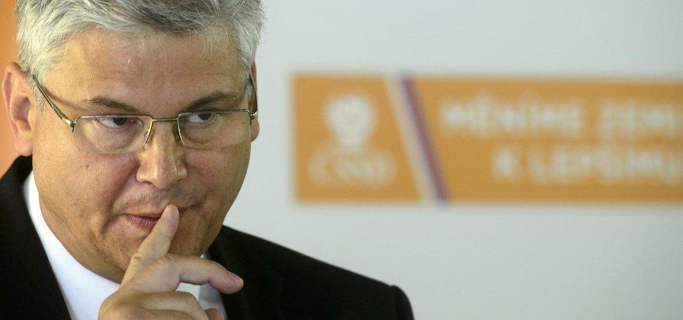 Nový ministr zdravotnictví za ČSSD a bývalé ředitel motolské fakultní nemocnice Miloslav Ludvík.