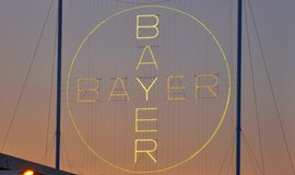 Logo Bayeru v Leverkusenu je největší světelnou reklamou světa.