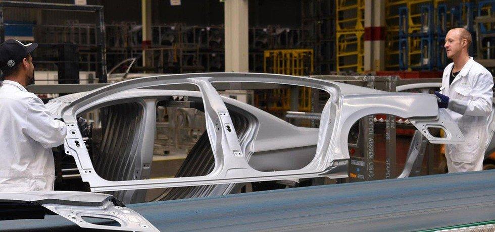 Výroba v továrně Volkswagenu v Emdenu, ilustrační snímek