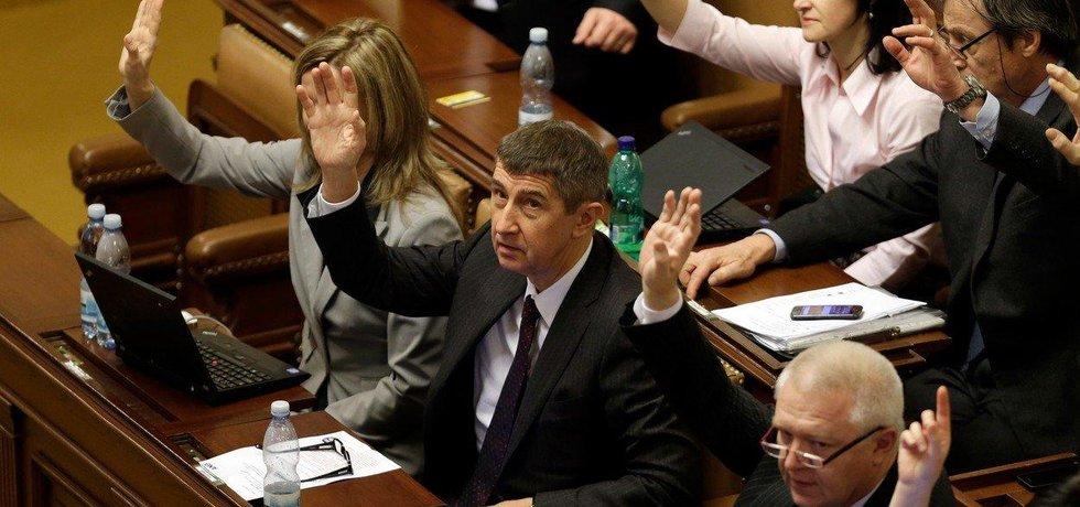 Hlasování v Poslanecké sněmovně - ilustrační foto