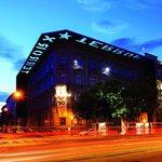 Abyste si připomněli i tu méně šťastnou maďarskou minulosti, vyrazte do Domu teroru neboli Terror Háza Múzeum