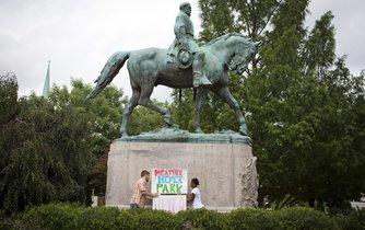 Socha generála Lee v Charlottesville