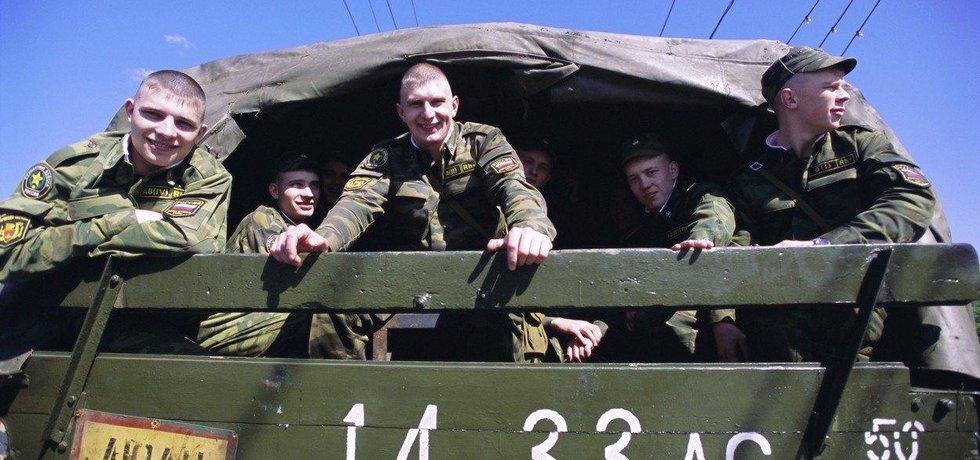 Ruští vojáci na cestě, ilustrační foto