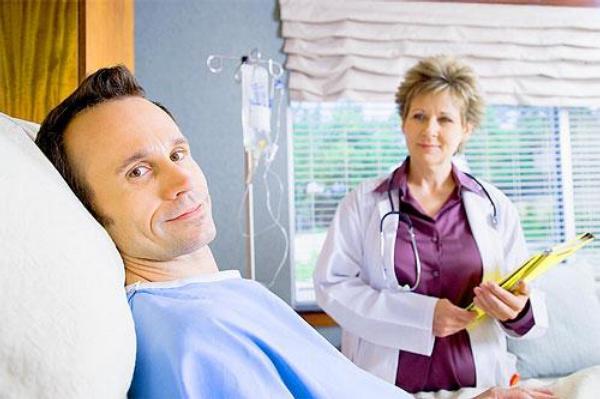 pacient, nemocnice, pokoj, lékařka