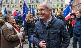 Slawomir Neumann, poslanec ze strany Občanská platforma na protivládních protestech v polském Gdaňsku