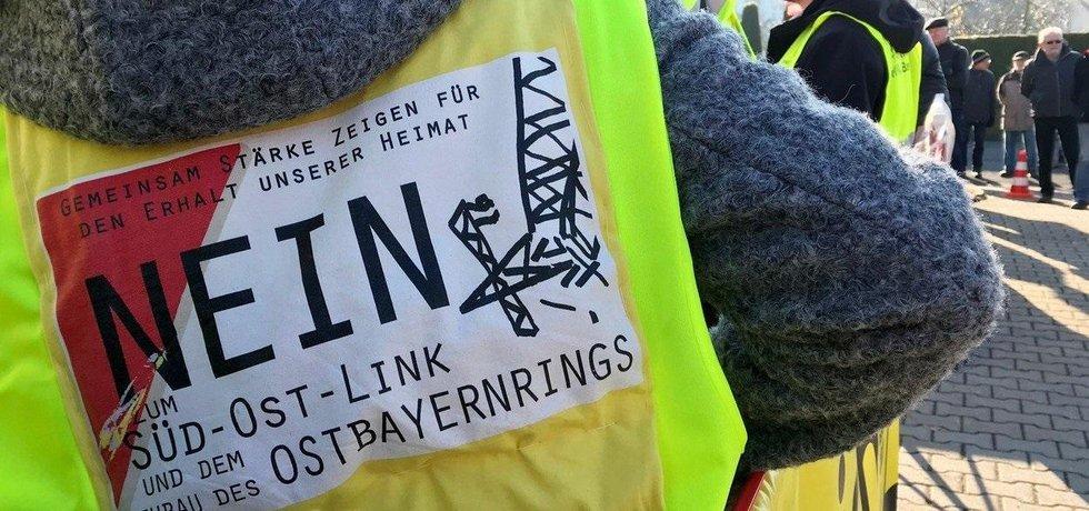 Protest proti výstavbě nových energetických tras v Německu, ilustrační foto