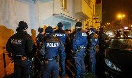 Němečtí konzervativci volají v reakci na teroristický útok v Berlíně po zpřísnění bezpečnostních opatření.