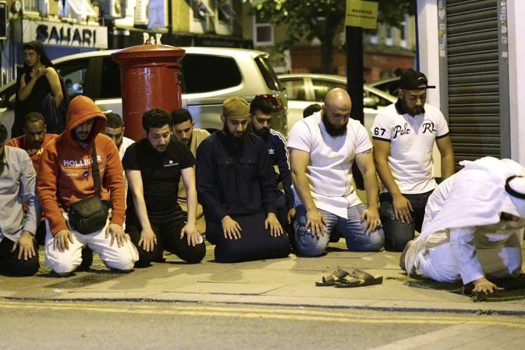 Londýn 19. června, po útoku vozidlem ve Finsbury Parku