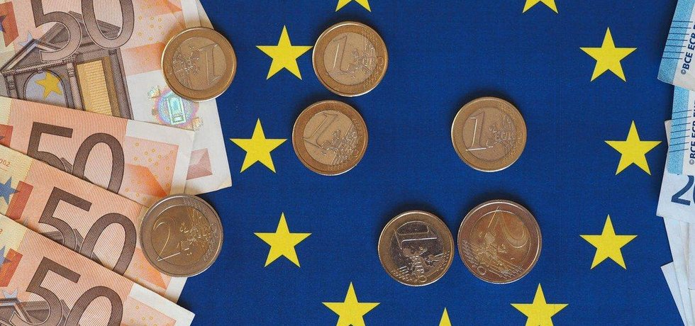 Růst ekonomiky eurozóny i celé EU zpomalil, ilustrační foto