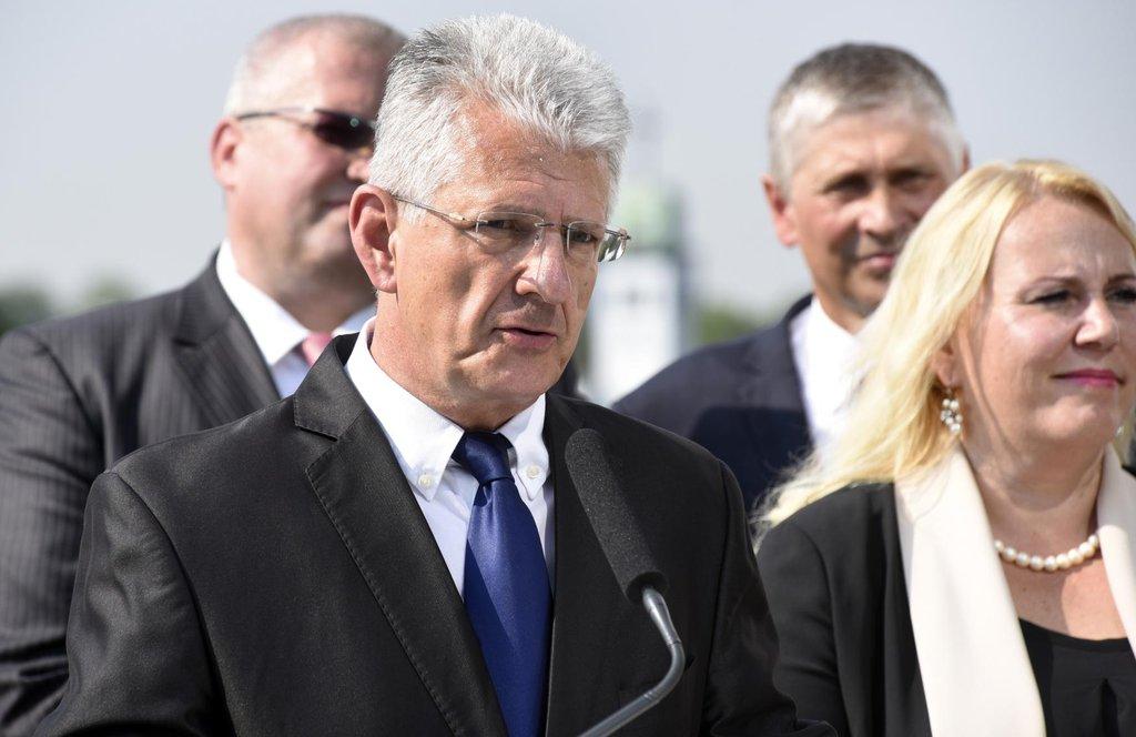 Krajské volby v Olomouckém kraji vyhrálo s velkým náskokem hnutí ANO před sociální demokracií a komunisty. Na snímku lídr ANO Oto Košta.