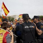 Španělská vláda informovala, že policie znemožnila přístup do 1300 škol určených pro referendum.