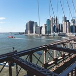 Pohled na Manhattan z Brooklynského mostu