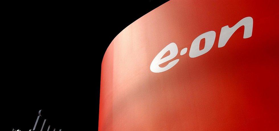 Zisk firmy E.ON se propadl o polovinu