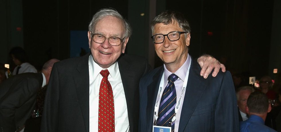 Bill Gates (vpravo) a Warren Buffett