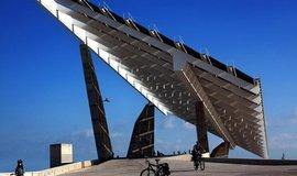 Solární panely v Barceloně, ilustrační foto