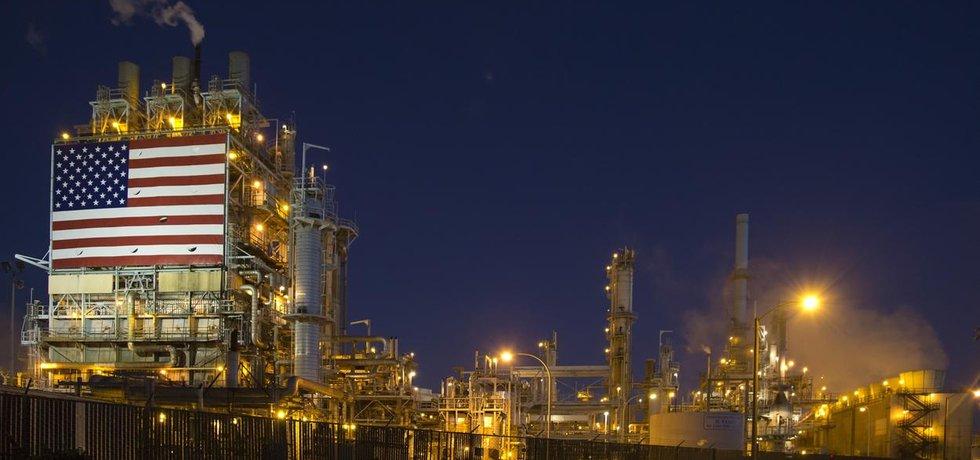 Americká rafinerie, ilustrační foto