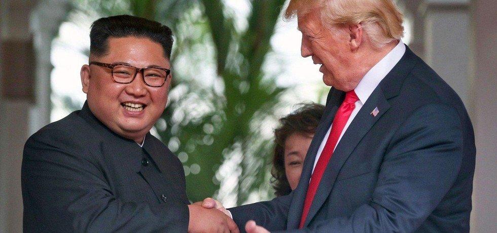 Severokorejský vůdce Kim Čong-un a americký prezident Donald Trump