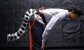 Robotický ocas má pomoci lidem se špatnou stabilitou.