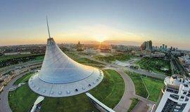 Ve stepi Střední Asie rostou luxusní paláce a kuriózní monumenty