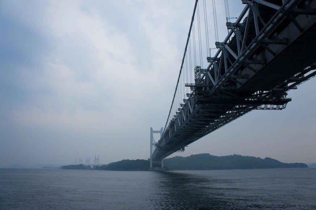 2. Great Seto (Japonsko; 15 miliard dolarů): Most dlouhý přes 13 kilometrů spojuje pět ostrovů v japonském Vnitřním moři. V roce 1988, kdy byl otevřen, stál sedm miliard dolarů, což by v dnešní době znamenalo více než dvojnásobek.