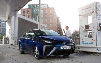 Toyota Mirai s vodíkovým pohonem