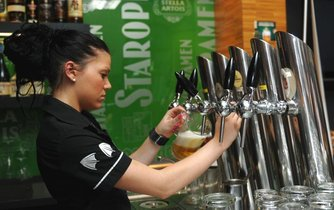 Výčep s pivy Staropramen