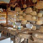Jedna z restaurací v resortu Zuri Zanzibar.